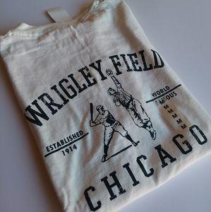 NWT Wrigley Field Chicago Baseball T Shirt